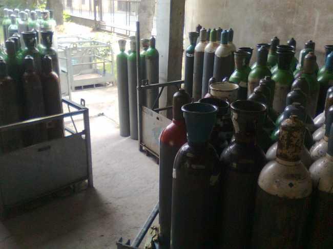 ricarica bombole gas compressi,industriali,alimentari,medicali